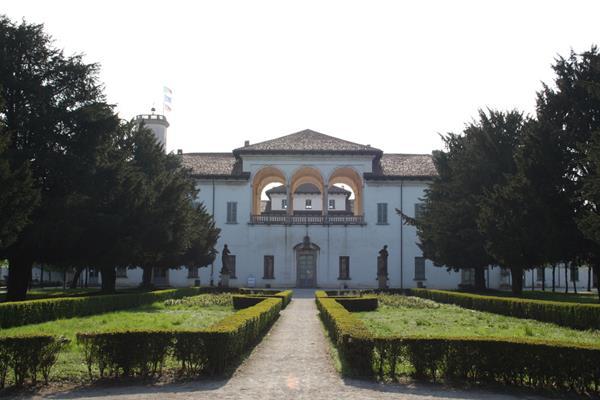 Ass. Amici Palazzo Arese Borromeo